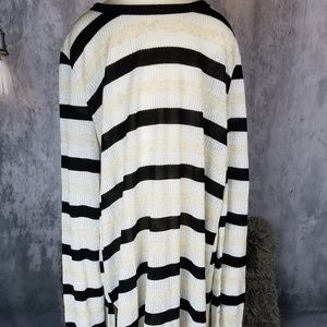 Striped Duster tee with metalic threads Zara L
